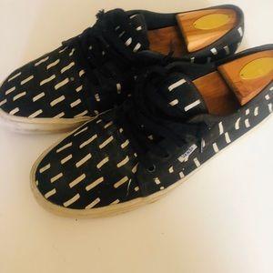 VANS Authentic Men Sneakers BLACK/WHITE Size 11